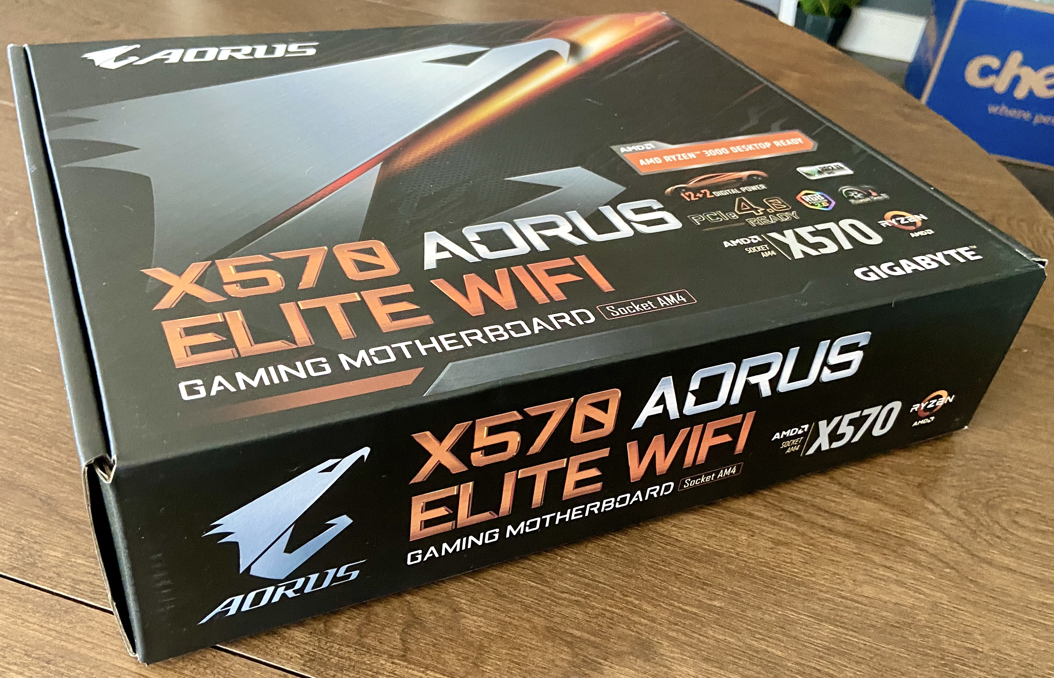 x570 Aorus Elite Wifi Box